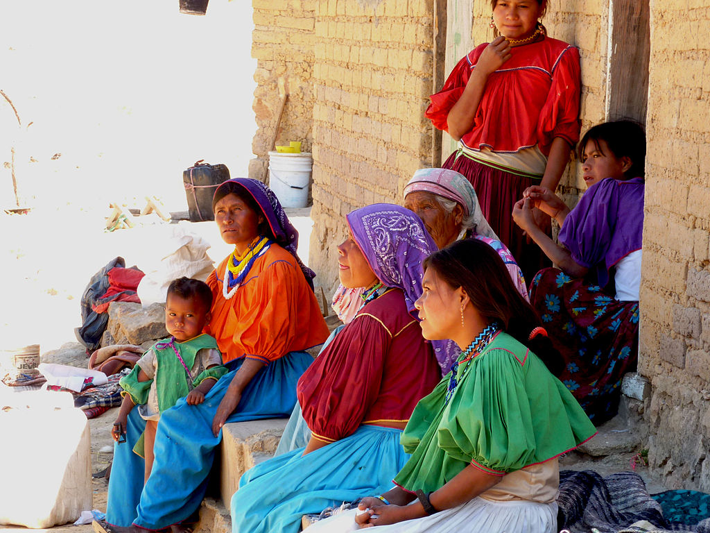 1024px-huichol_woman_artisans